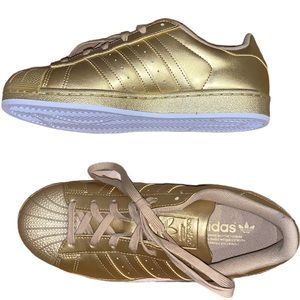 NWOB Adidas Gold Superstar Sneakers Size 7.5